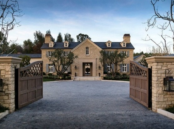 Luxurious Classic Estate Of Kanye West and Kim Kardashian