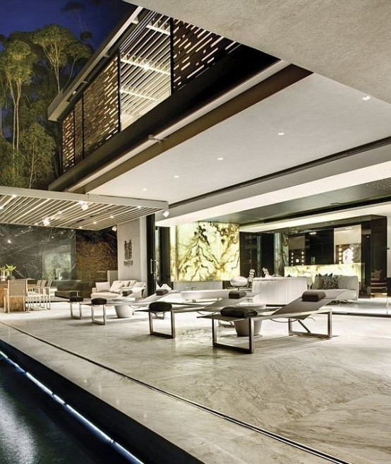Luxurious Cutting Edge Residence