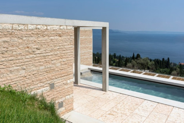 Picture Of luxury holiday villa eden on lake garda  7