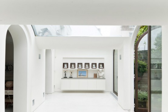 Luxury Mews House With Classical Interiors