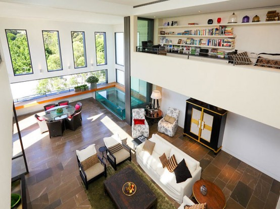 Luxury Oasis-Like Living Space Filled with Contemporary Solutions