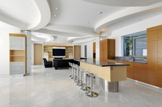 Luxury White House With Carara Marble
