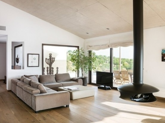 Mallorca House With Open And Light Interiors