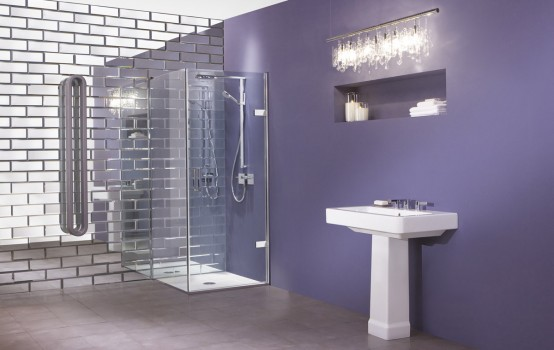 Purple bathroom Ceramica