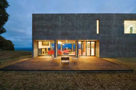 Mending Wall House As A Cool Sample Of Modern Architecture