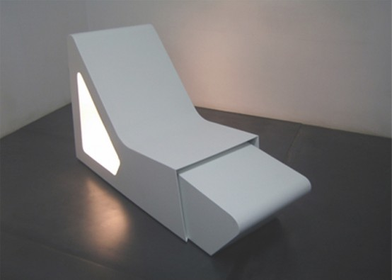 Metal Chaice Lounge Chair With Magazine Stand
