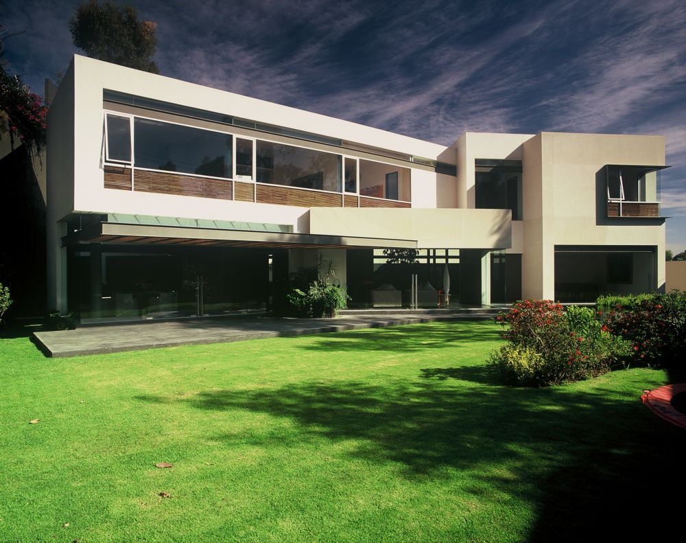 Modern Uban House with Limestone Walls – BA House