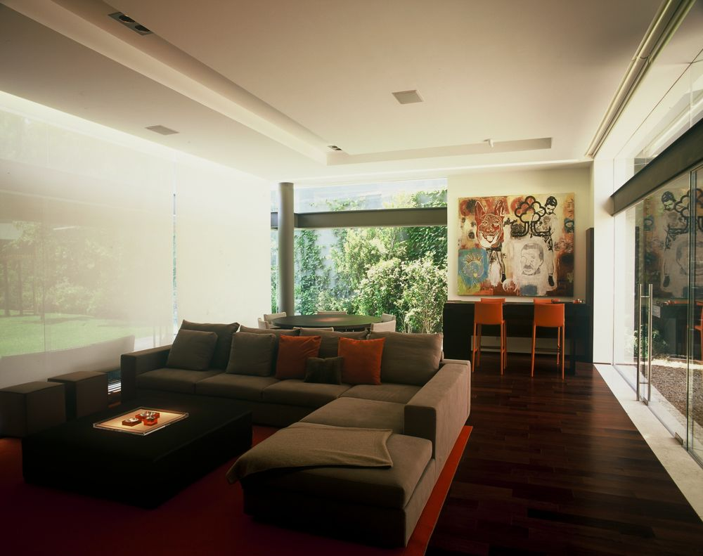 Modern uban house with limestone walls ba house digsdigs for Urban living room design