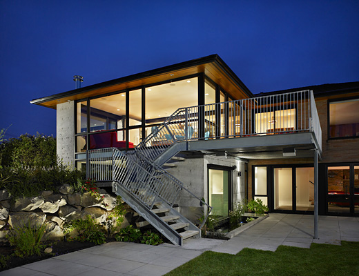 Renovation of mid century modern aesthetic house digsdigs for Balcony aesthetic