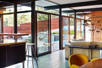 mid-century-modern-house-decorated-with-an-impeccable-taste-4