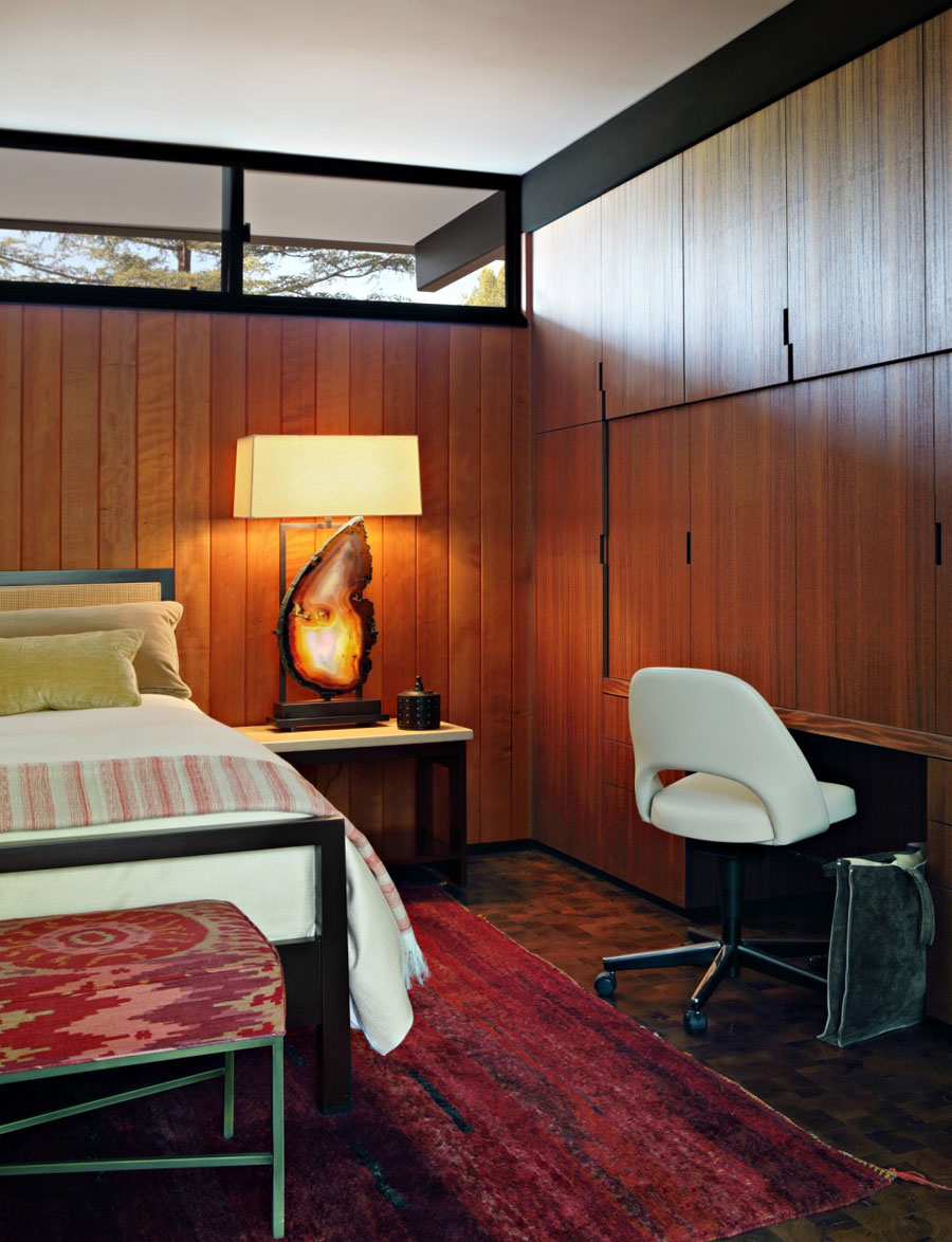Picture Of mid century modern house decorated with an impeccable taste  7