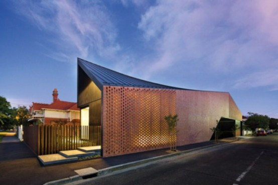 Mid-Century Modern Residence With A Perforated Brick Wall