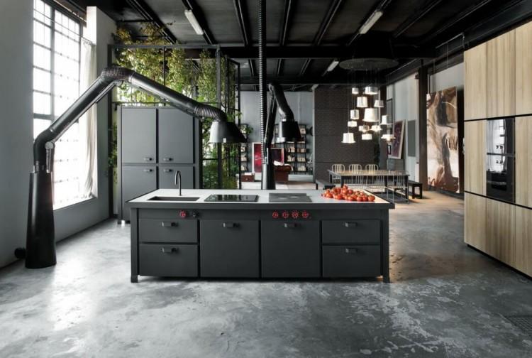 Milan loft design with dark industrial metals in decor - Cuisine style loft industriel ...