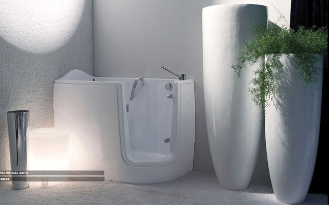 Picture Of Mini Bathtub And Shower Combos For Small Bathrooms
