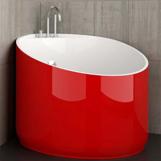 Mini Bathtub Of Fiberglass For Small Spaces