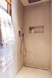 minimalist-18th-century-apartment-with-a-scandinavian-feel-14