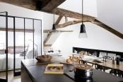 minimalist-18th-century-apartment-with-a-scandinavian-feel-3