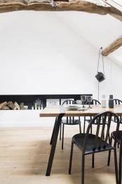 minimalist-18th-century-apartment-with-a-scandinavian-feel-9
