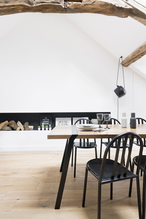 Picture Of minimalist 18th century apartment with a scandinavian feel  9