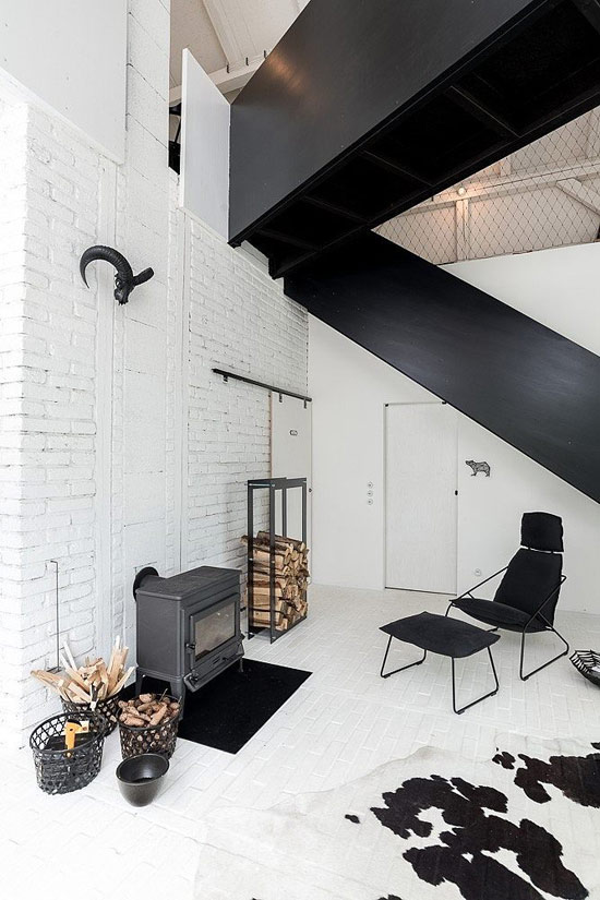 Minimalist Black And White Barn Renovation