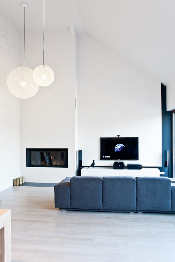 Minimalist black and white house with oak floors and for White minimalist interior design