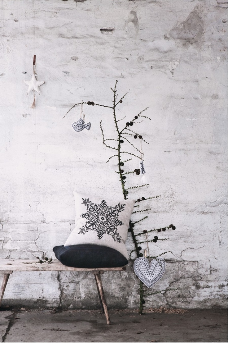 31 minimalist christmas d cor ideas digsdigs for Accessoire decoration