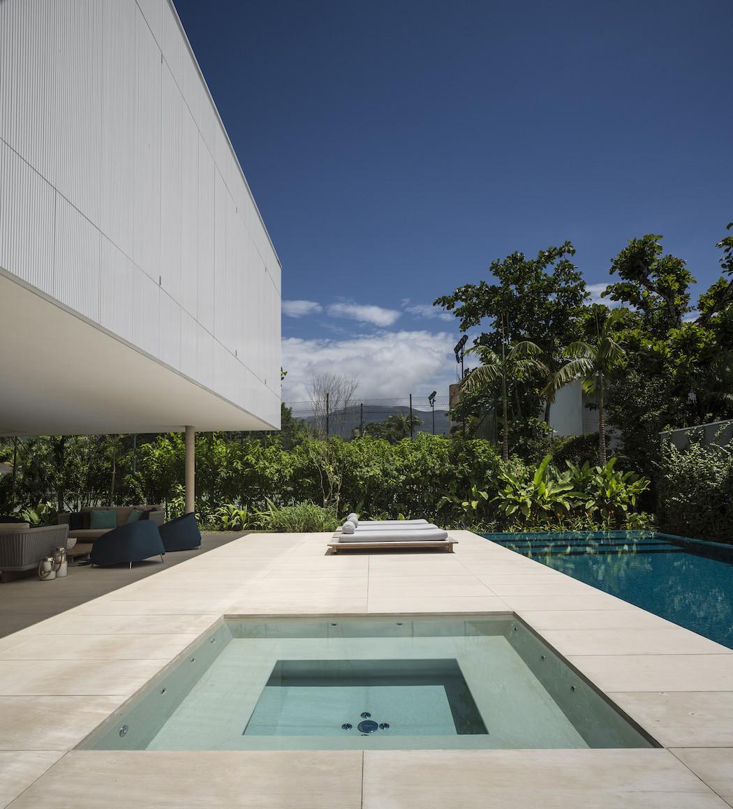 Picture Of minimalist concrete casa branca in the tropics  2