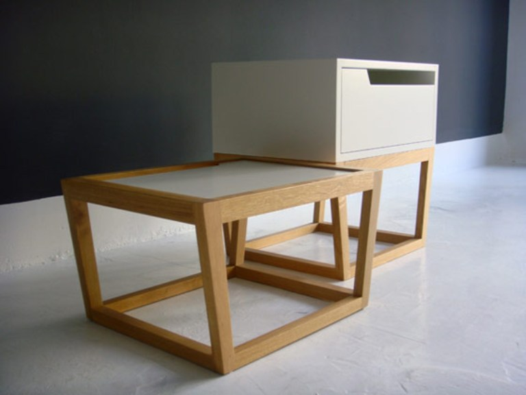 Minimalist furniture with a slight japanese touch digsdigs for Minimalist furniture