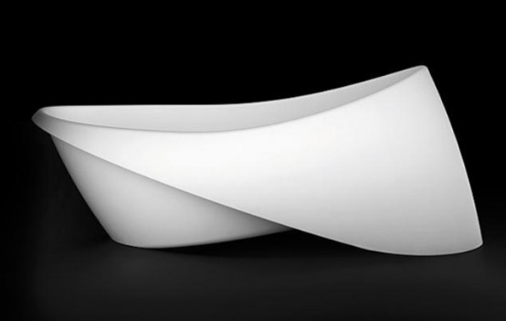 Minimalist Goccia Bathtub And Basin With A Folded Rim