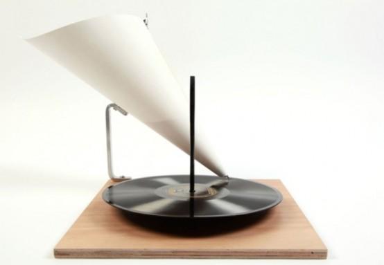 Minimalist Gramophone – Vintage Plus Modernism