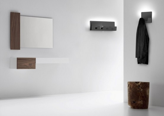 Minimalist Hanna Hanger With Ambient Light And Charger