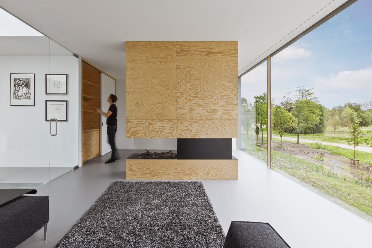Minimalist home 09 of pine plywood digsdigs for Binnen interieur