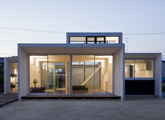 Minimalist house design that consist of small rectangular for Contemporary minimalist house