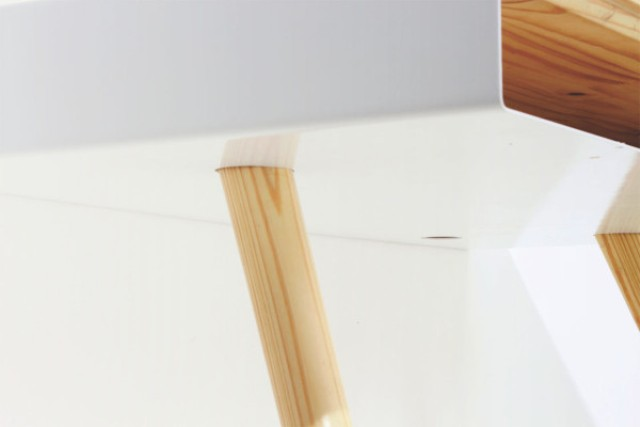 Picture Of minimalist pacco desk with extra storage space  5