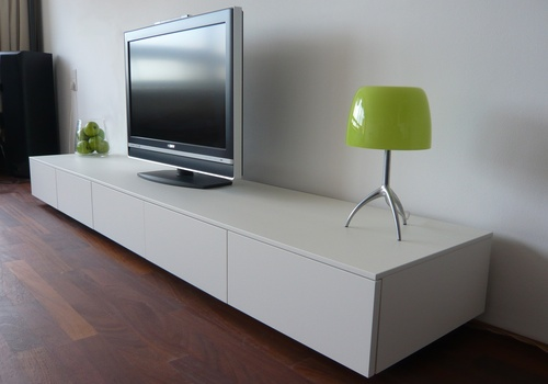 Minimalist tv stands and dressers from rknl digsdigs for Arredamento minimal ikea