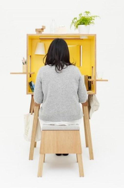 Minimalist Workspace To Keep Maximum Privacy