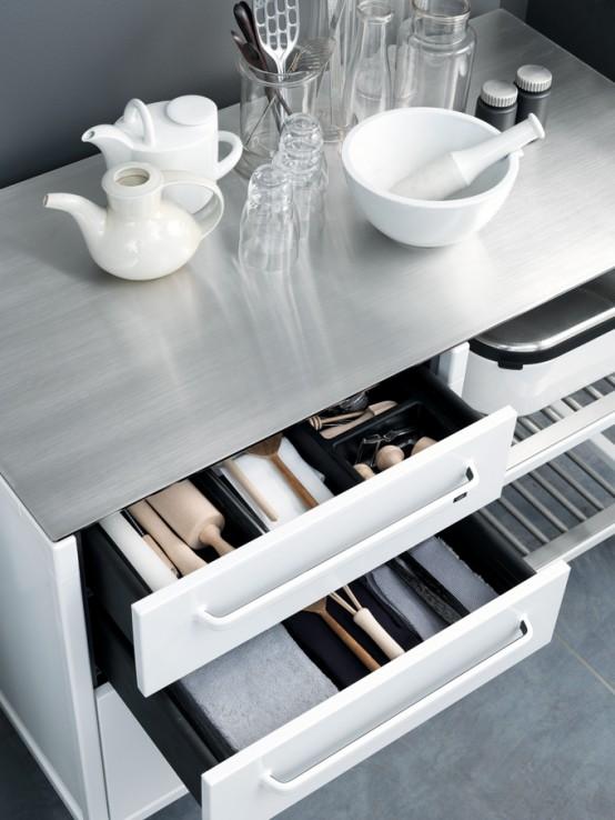 Minimlist Stainless Steel Kitchen