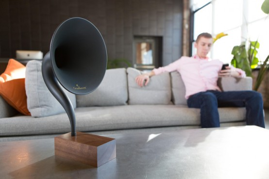 Mix Of Vintage And Hi Tech Gramavox Bluetooth Gramophone