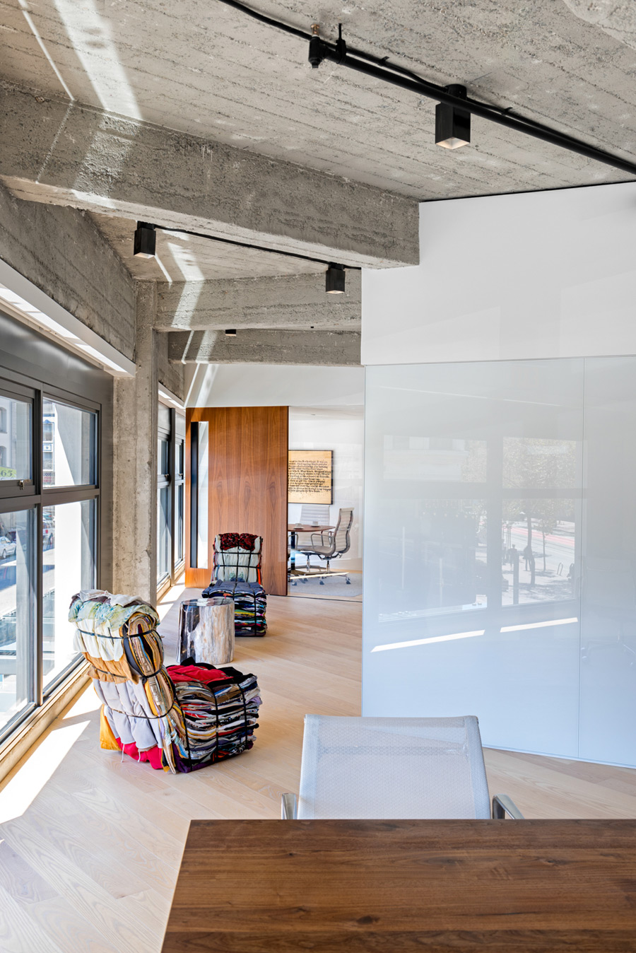 Picture Of modern and cozy office apartment hybrid  6