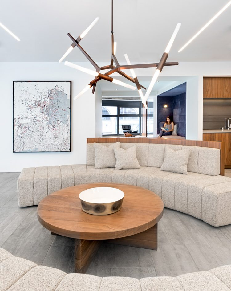 Modern And Cozy Office Apartment Hybrid