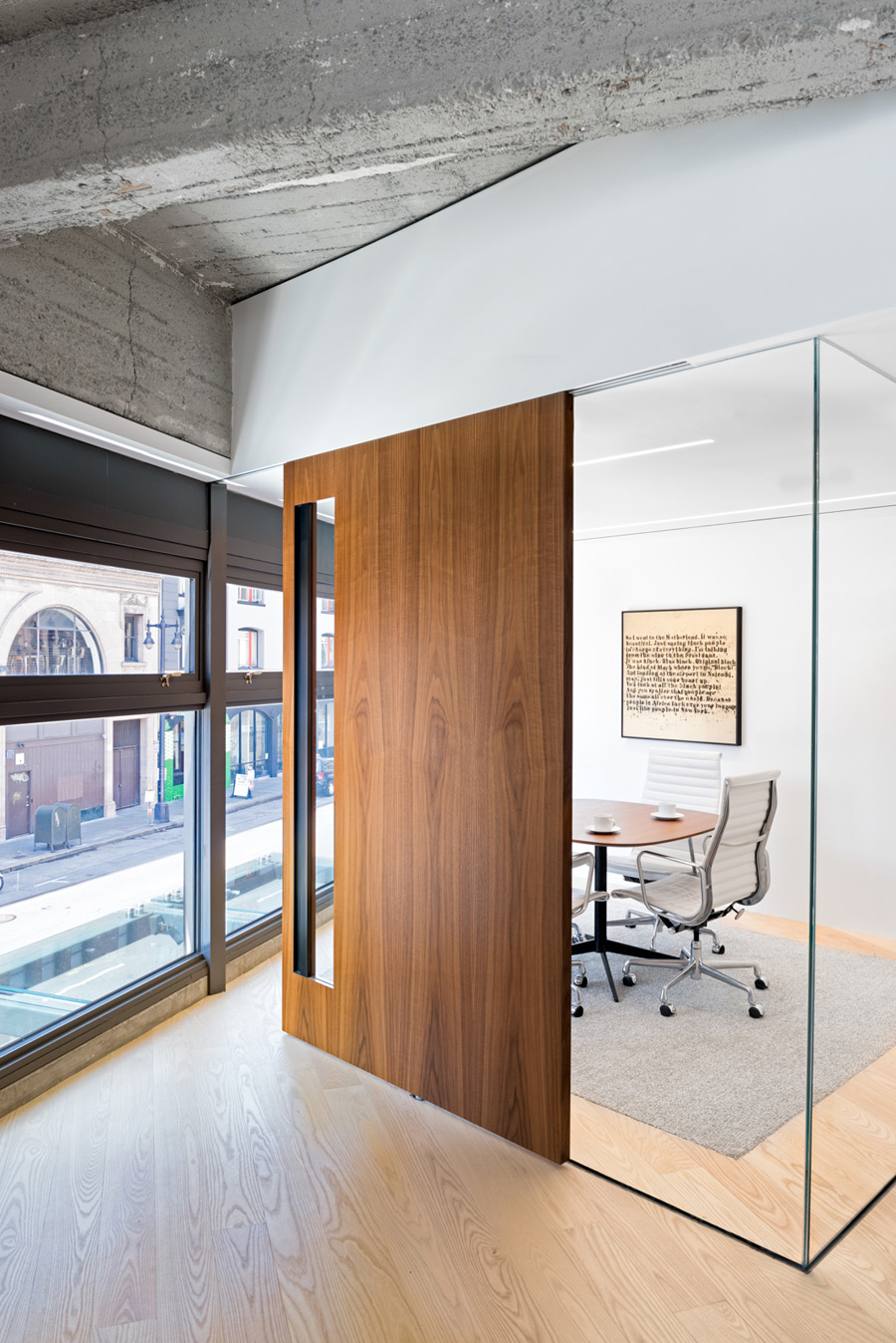 Picture Of modern and cozy office apartment hybrid  9