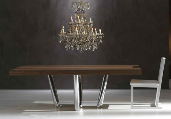 Modern And Luxurious Dinner Table_