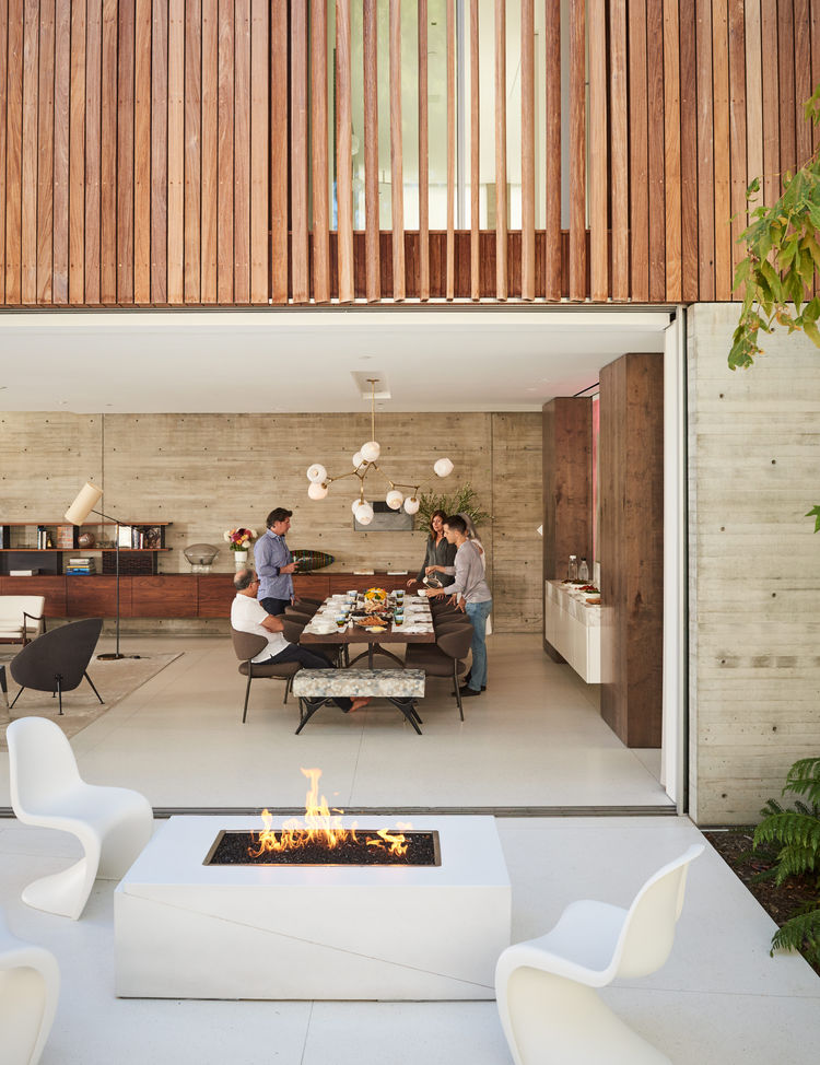 Picture Of modern and stylish home embracing the surroundings  3