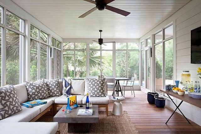 Country Home With Stylish Sunrooms Design Ideas Upholstered Bench
