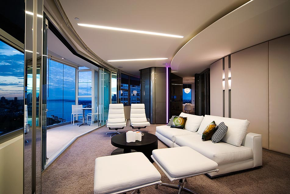 Modern apartment interior design in warm and glamour style for Sofa interiors studio city