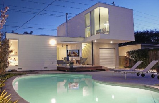 Modern and Airy Beach House Renovation – p_House by Ras-a