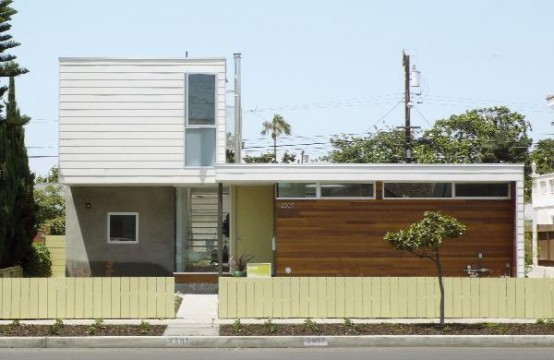 Modern and Airy Beach House Renovation pHouse by Rasa DigsDigs