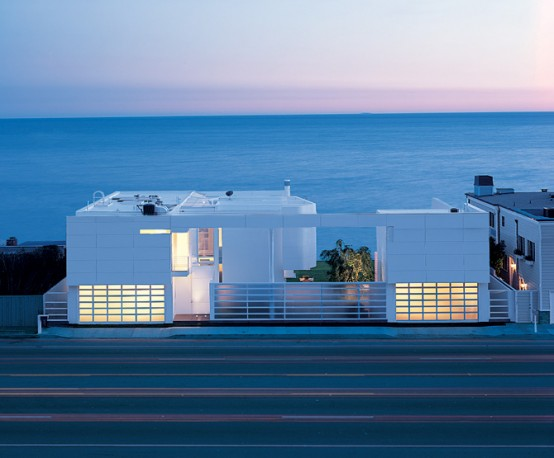 Modern Beach House Design with White Exterior Paint