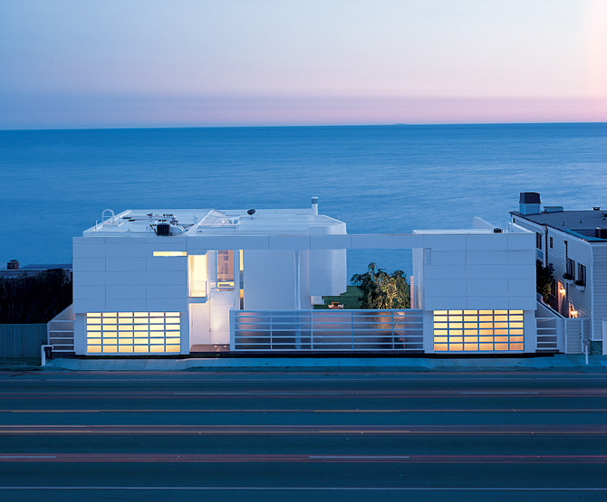 Incredible Modern Beach House 670 x 555 · 118 kB · jpeg