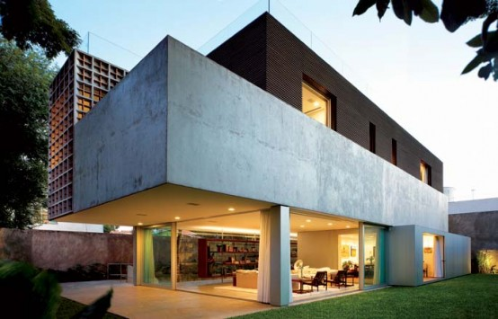 Modern And Exotic Villa Design In Sao Paulo By Isay